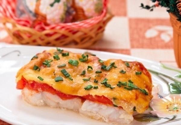 Филе окуня, запеченное с сыром