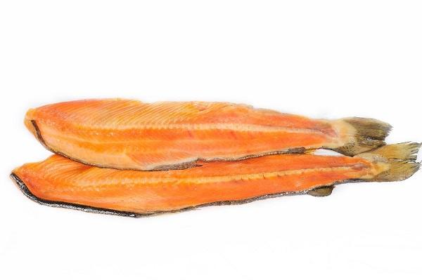 Хребет лосося холодного копчення купити