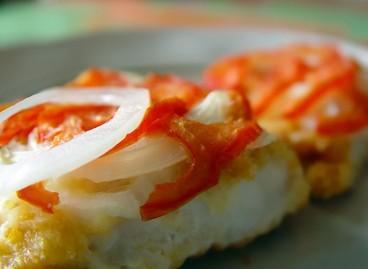 Бычки с сыром и помидорами